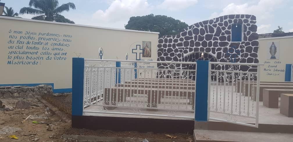 Grotte mariale de la Maison Diocésaine de Kinshasa